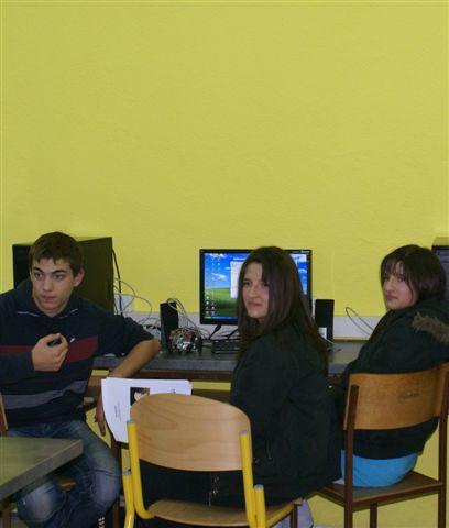 Srednjoj školi Obrovac održan je prvi županijski susret robotike